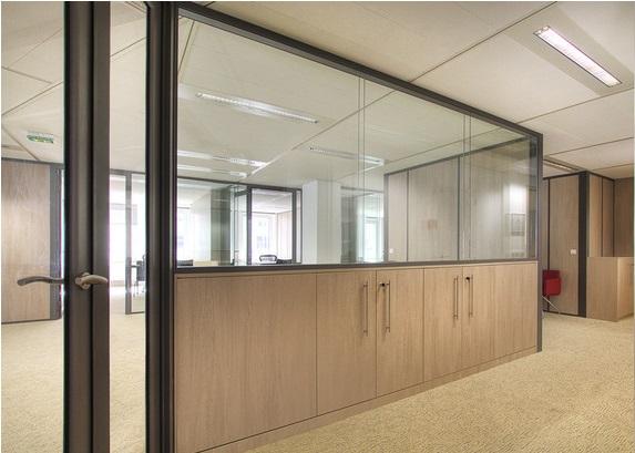 installation cloisons vitree sur allege pour bureau