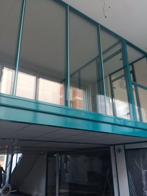 CPose et installation de cloisons locaux industriel entrepot- cloisons grande hauteur - mezzanine - cloisons haute resistance coupe feu - espace cloisons Alu