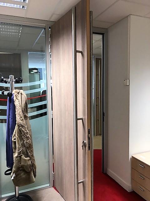 porte ame pleine bois avec baton marechal toute hauteur - cloisons bureau