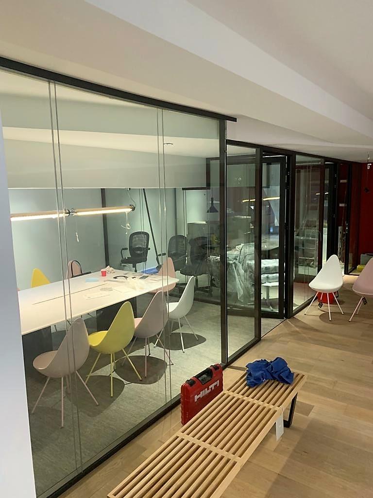 cloisons modulaire vitrée sans bord en ile de france